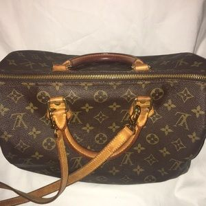 Louie Vuitton speedy 30 lock & key and long strap